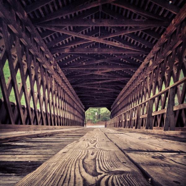 La lumière, au bout du pont